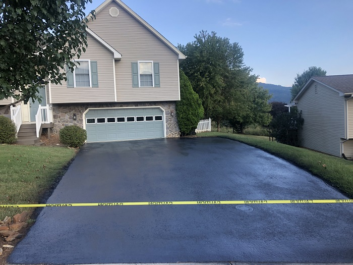 asphalt driveway sealingBoulder COy